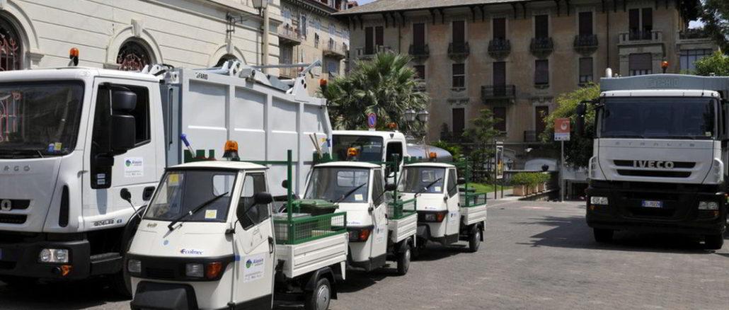 Camion raccolta rifiuti ad Alassio