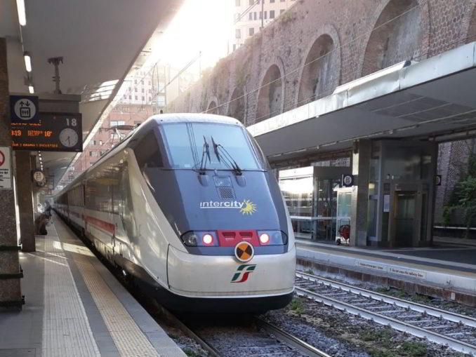 Frecciabianca alla Stazione di Genova Principe