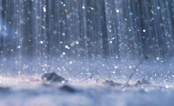 Pioggia durante un temporale