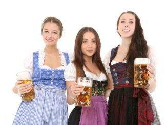 birra ragazze con boccali