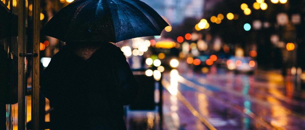 pioggia notturna in città