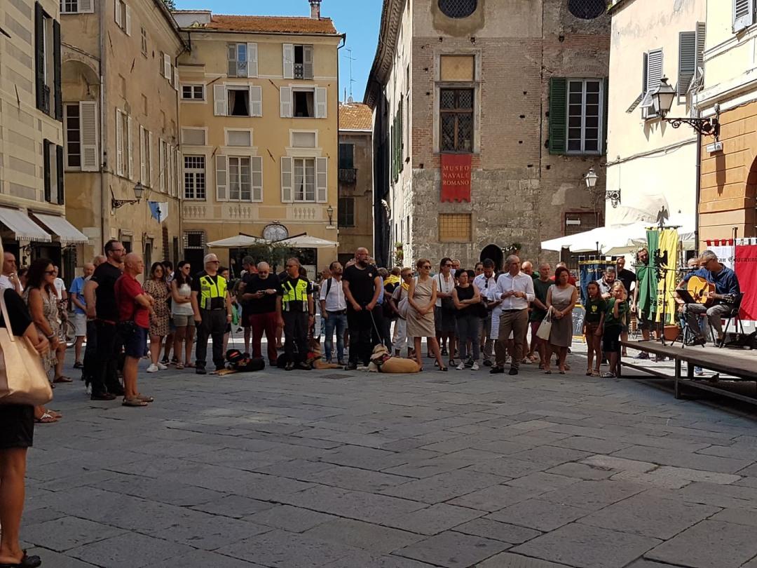 06 Commemorazione vittime crollo Ponte Morandi ad Albenga flash mob 6