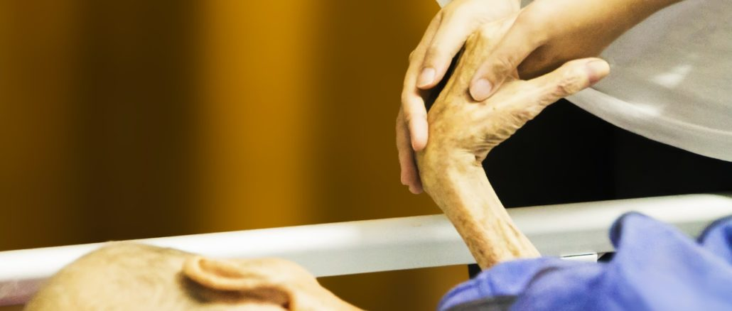 Anziano sostegno caregiver
