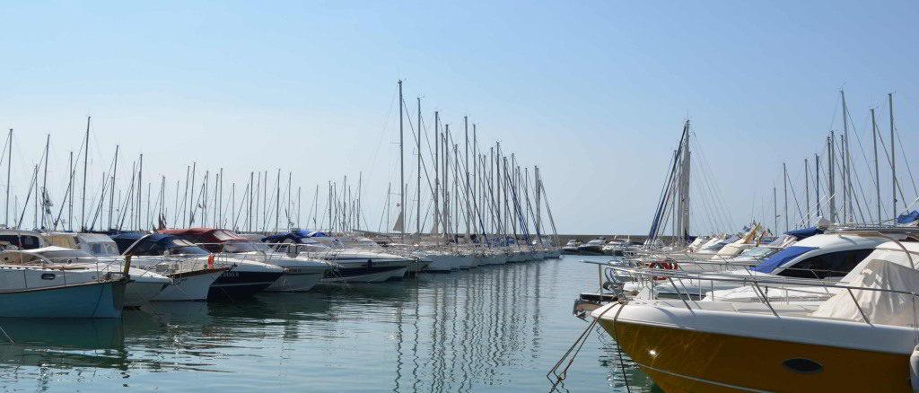 barche ormeggiate al Porto di Andora