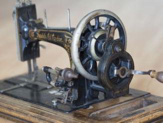 macchina da cucire storica