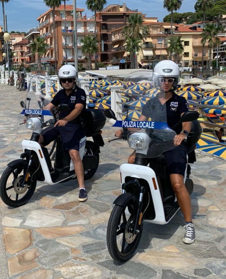 scooter elettrici polizia locale di Andora