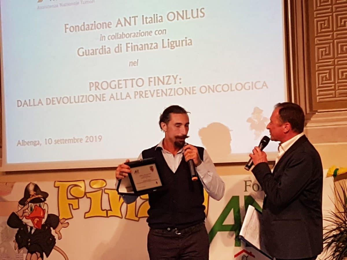 01 Donazione Guardia di Finanza ad Ant Albenga