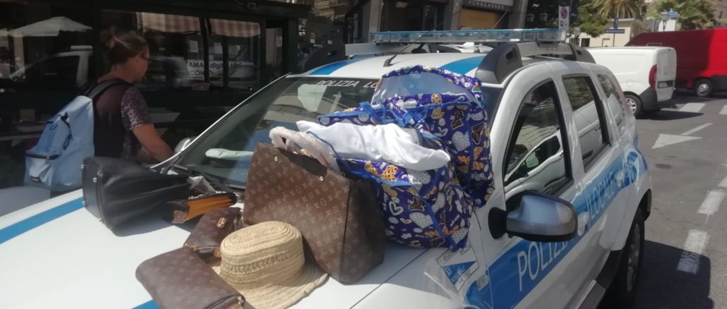 Merce sequestrata dalla Polizia locale di Alassio