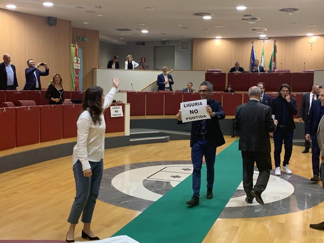 02 Flash mob in Consiglio Regione Liguria