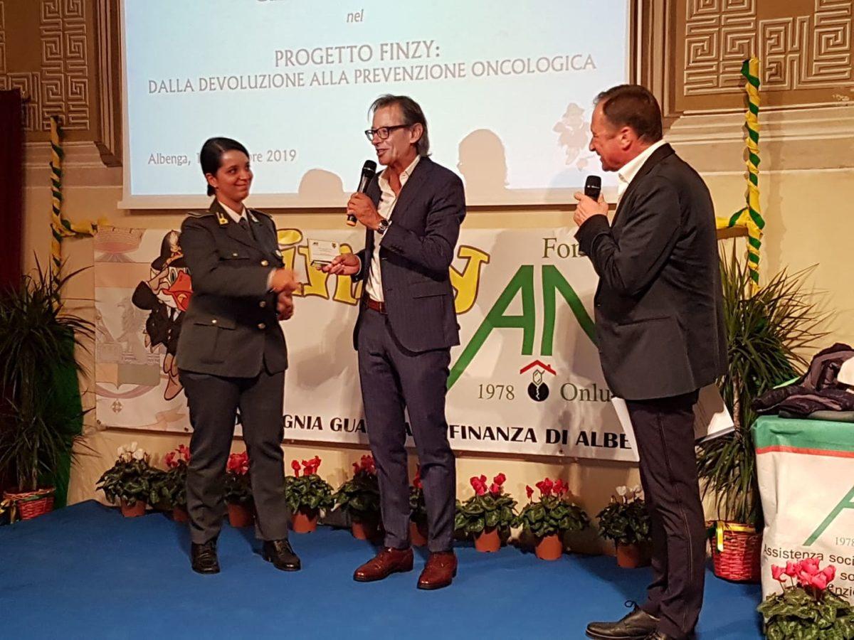 03 Donazione Guardia di Finanza ad Ant Albenga