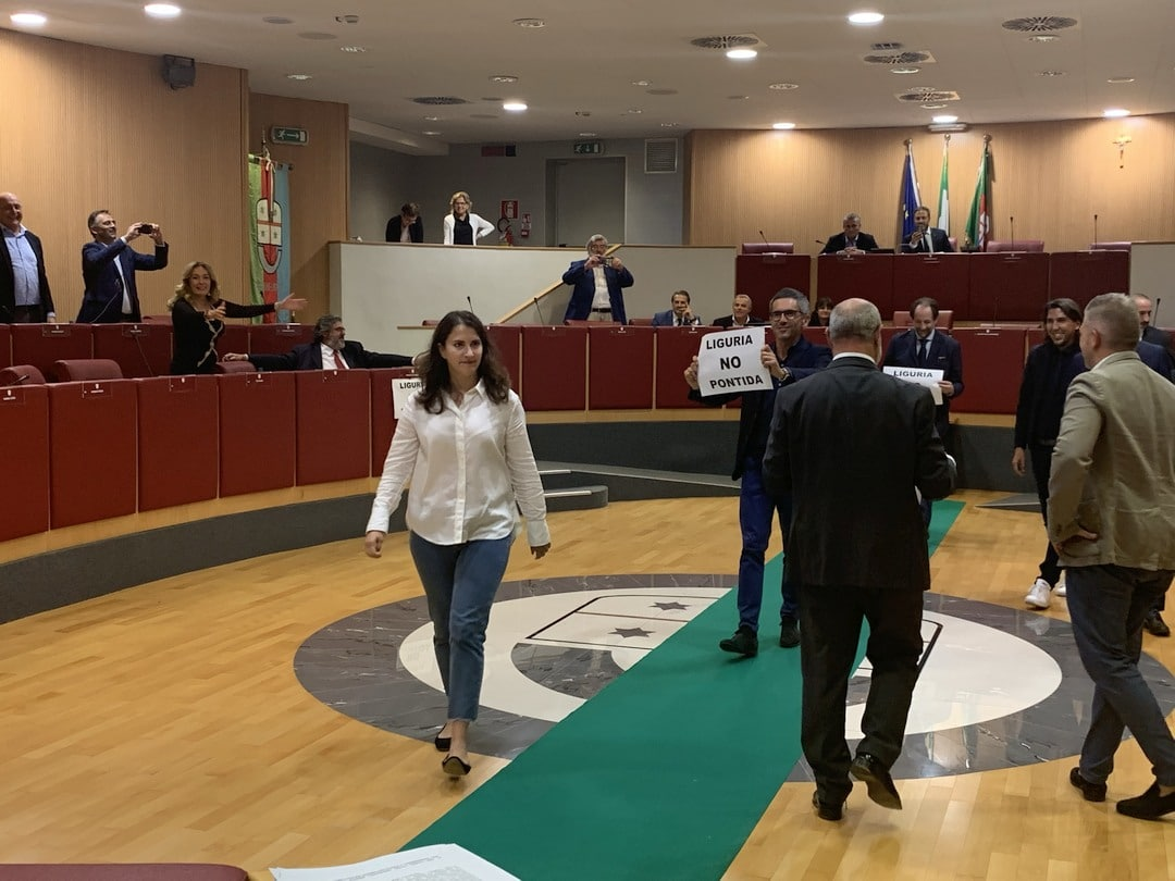 03 Flash mob in Consiglio Regione Liguria