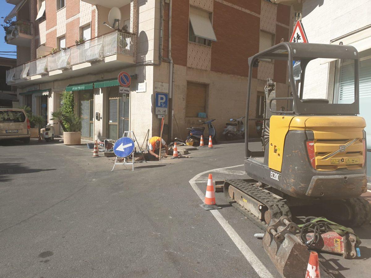 03 Lavori alla condotta di piazza SantAmbrogio ad Alassio