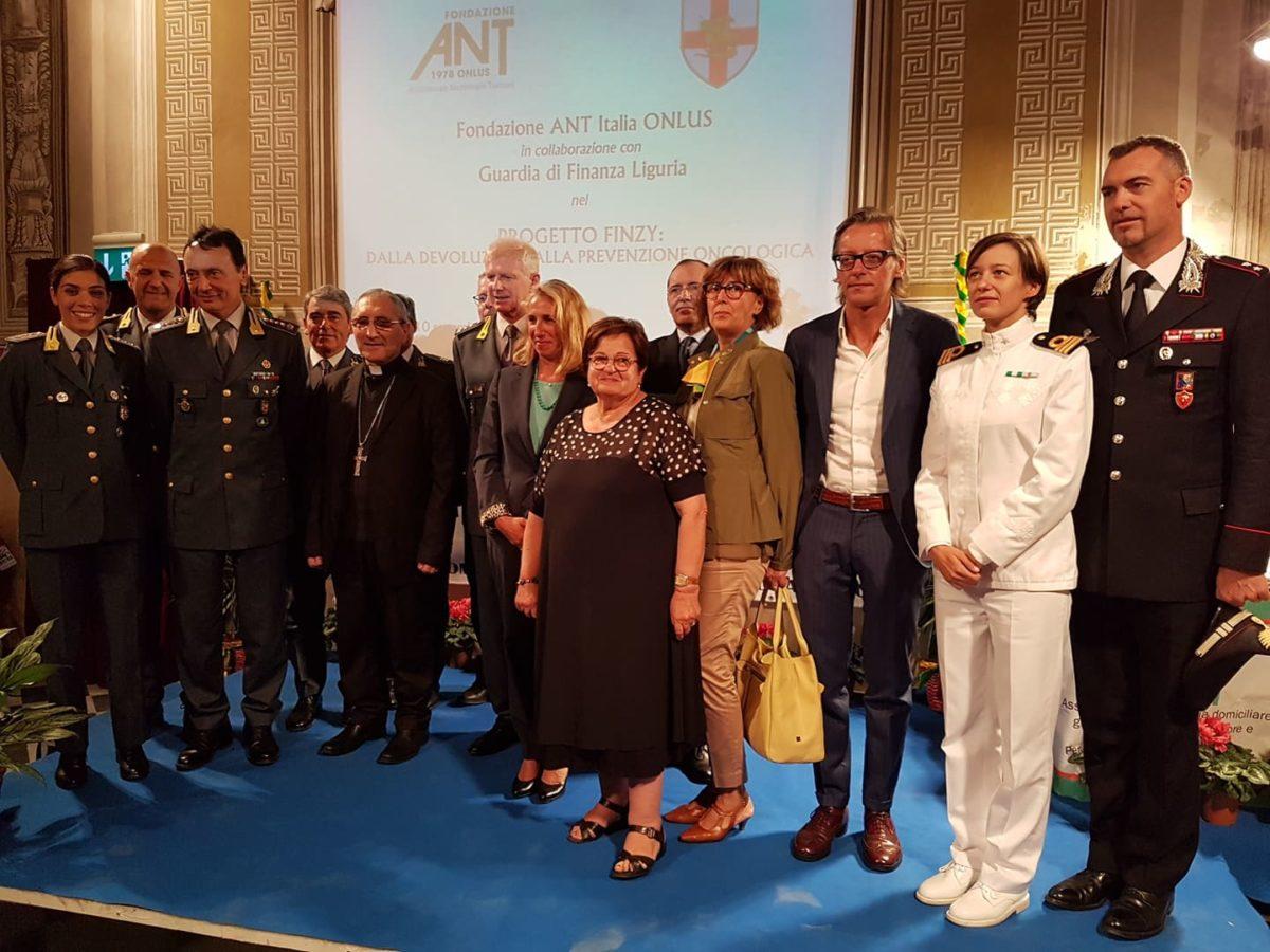 05 Donazione Guardia di Finanza ad Ant Albenga