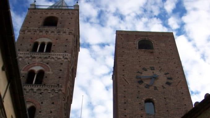 Torri di Albenga in piazza San Michele