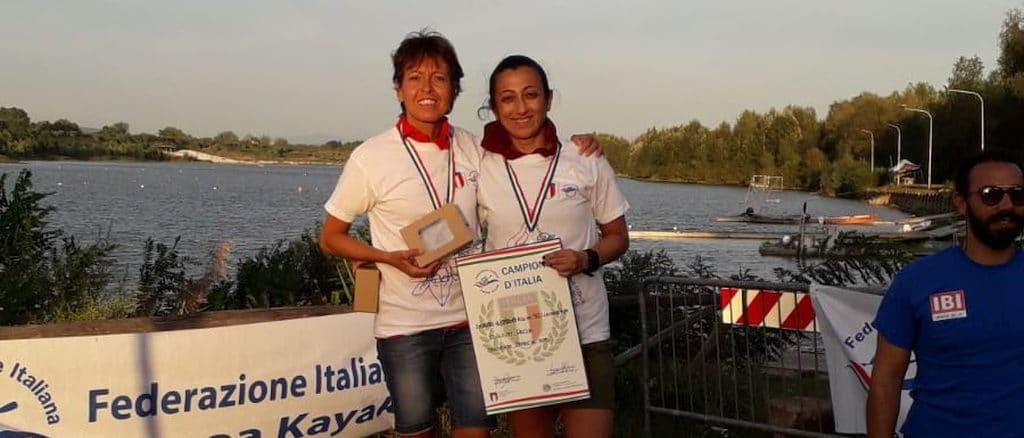 Campionesse Canottieri Sabatia festeggiano sul podio