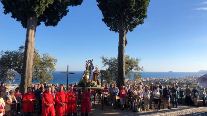 Processione nel nel santuario del Poggio a Loano