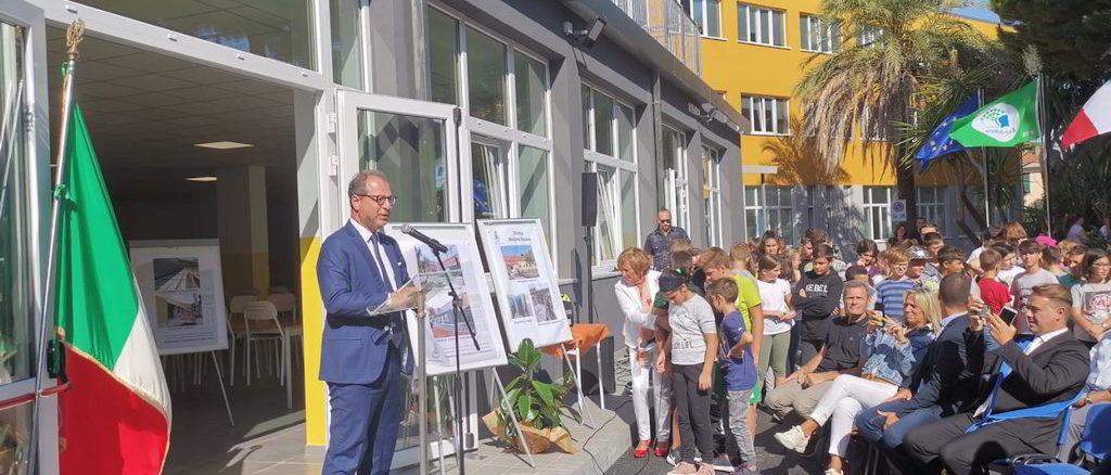 Giorgio Mulè all'inaugurazione Plesso scolastico di Andora