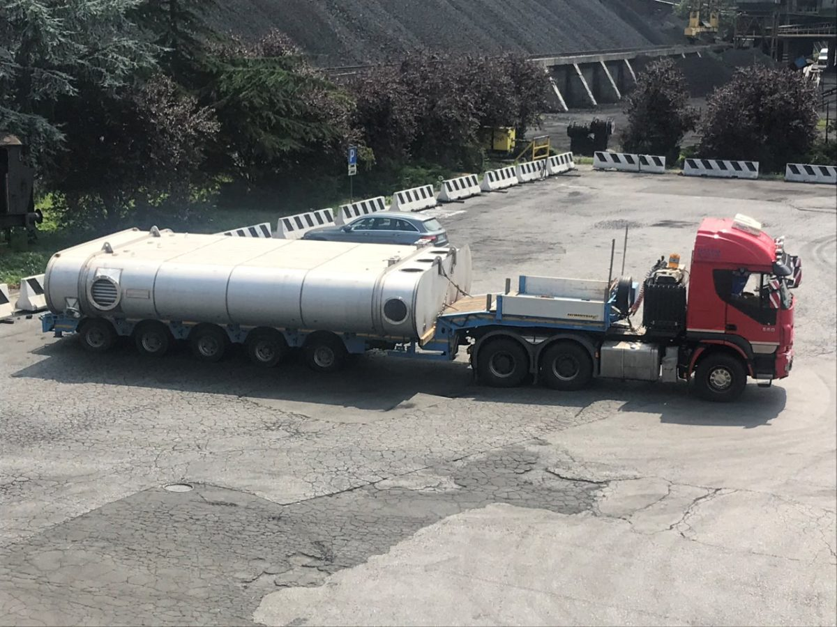 Italiana Coke nuovo condensatore su camion sett 19