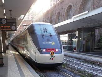 Treno alla Stazione di Genova Principe