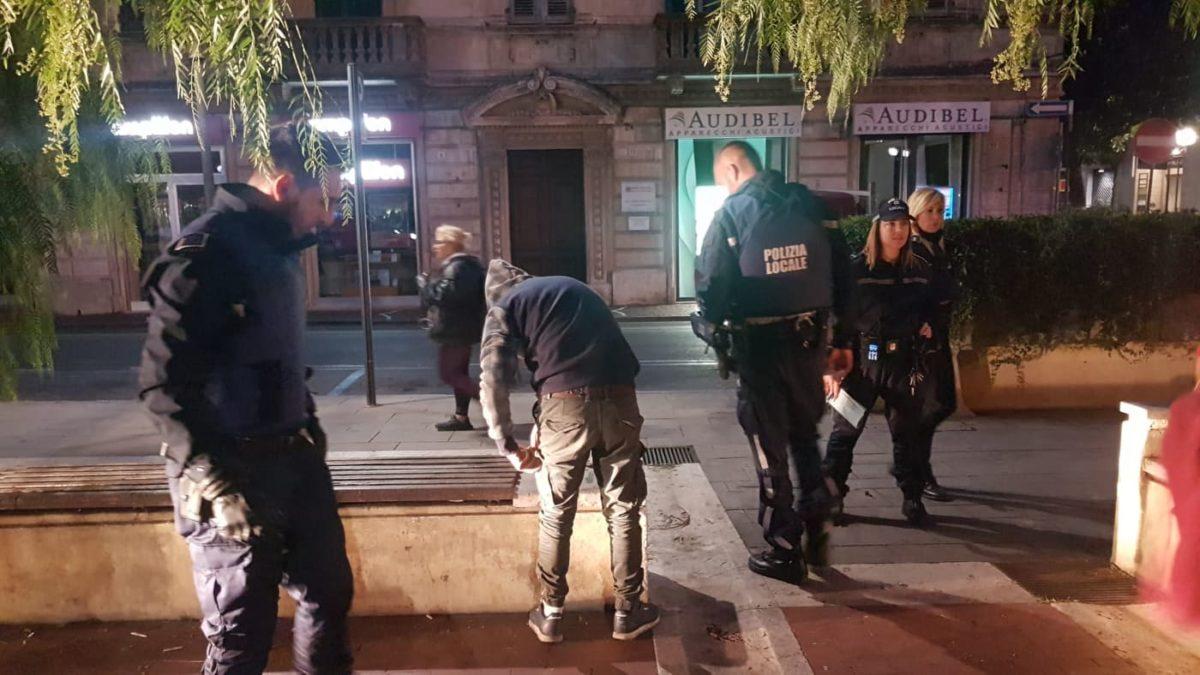 02 Polizia locale di Albenga in azione
