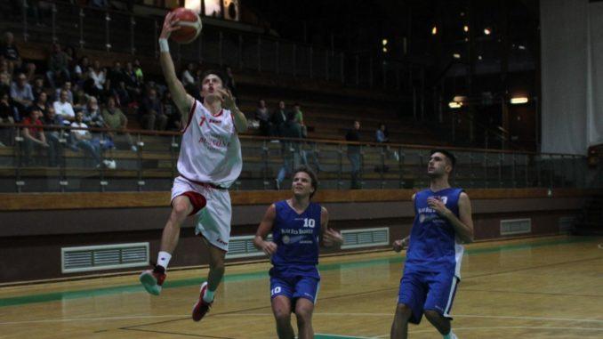 Asd Basket Loano nella foto Tassara in contropiede