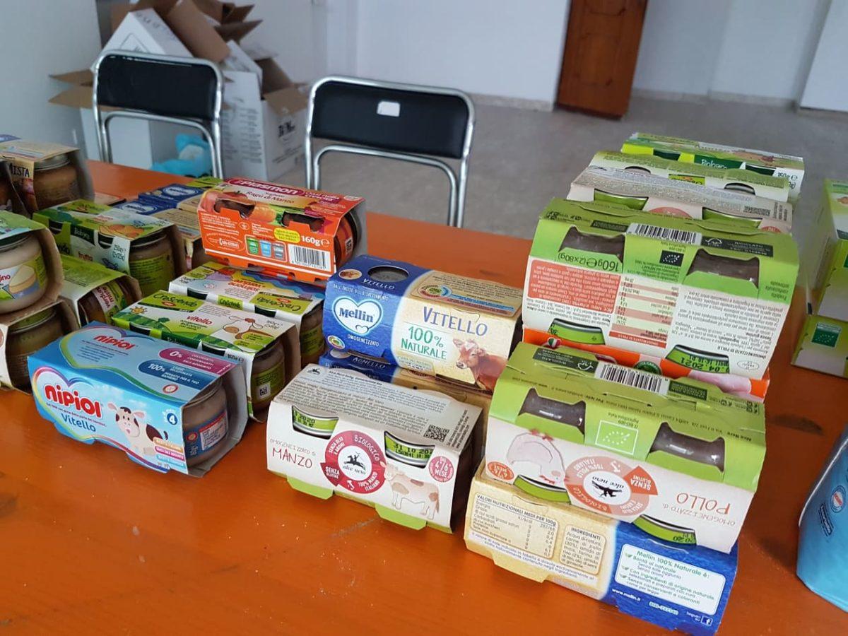 Beneficenza Albenga pacchi alimentari 01