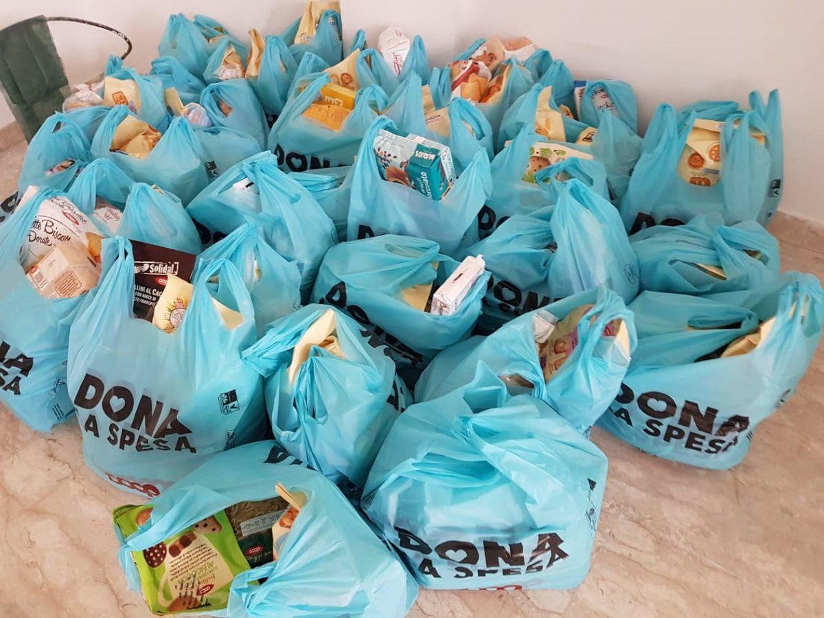 Beneficenza Albenga pacchi alimentari 04