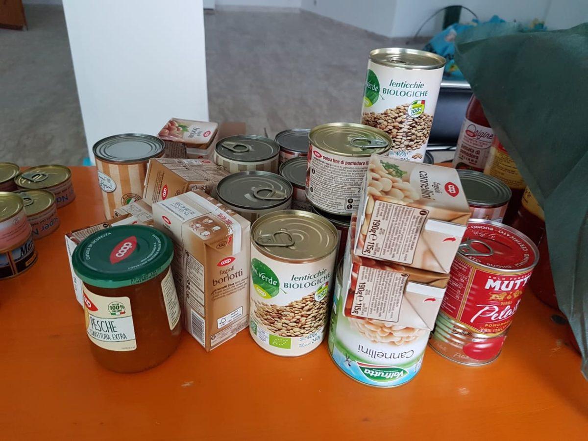 Beneficenza Albenga pacchi alimentari 05