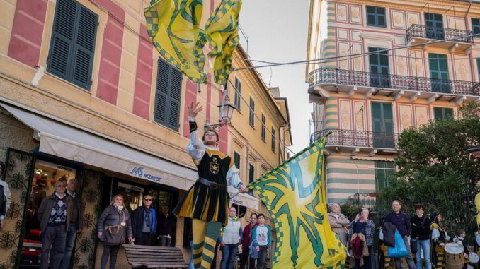 Sbandieratori a Borgo in festa a Celle Ligure