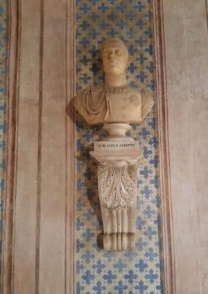 Busto opera di Santo Varni ad Albenga