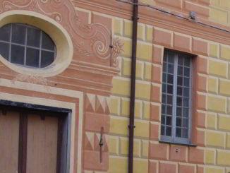 Facciata palazzo in Piazza Rossi ad Albenga
