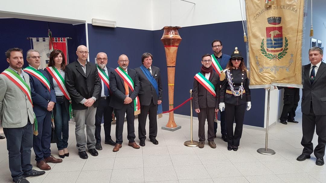 Inaugurazione scultura Finotti a Borghetto 03