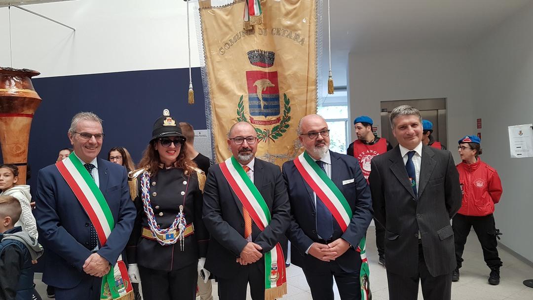 Inaugurazione scultura Finotti a Borghetto 04