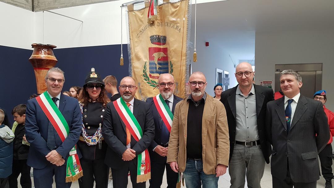 Inaugurazione scultura Finotti a Borghetto 05