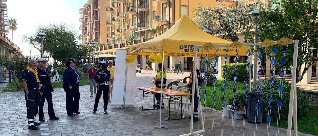 Protezione civile in via Roma ad Andora