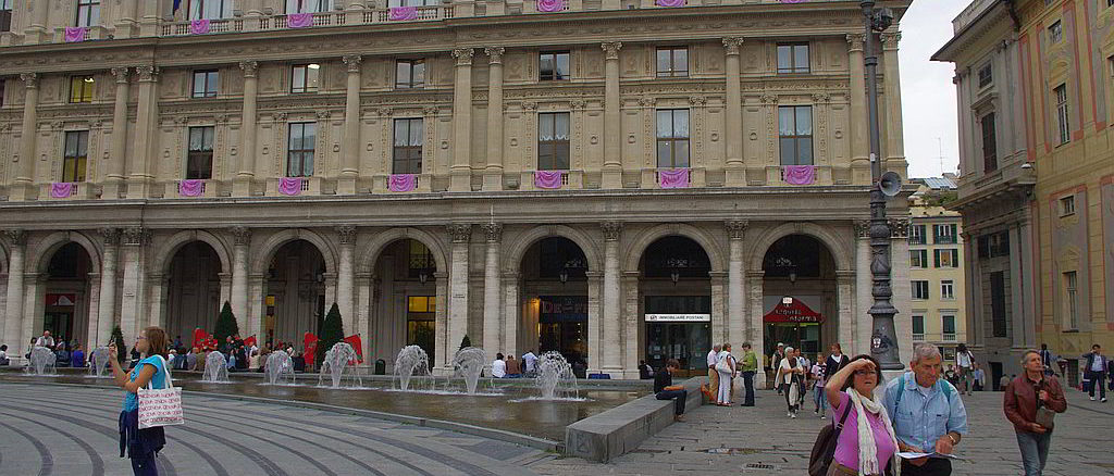 Scorcio di Piazza De Ferrari a Genova - effe