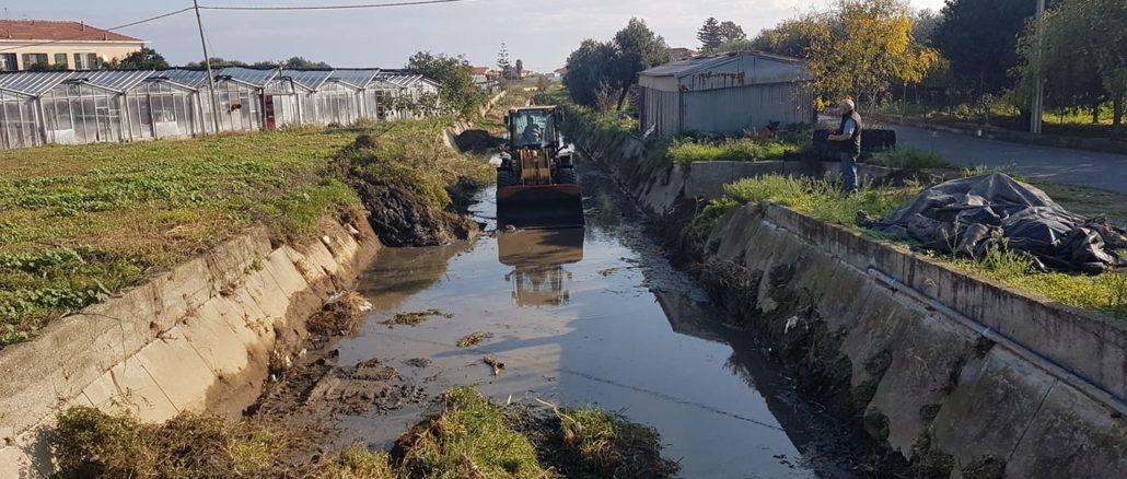 Lavori nel greto del rio Antognano ad Albenga