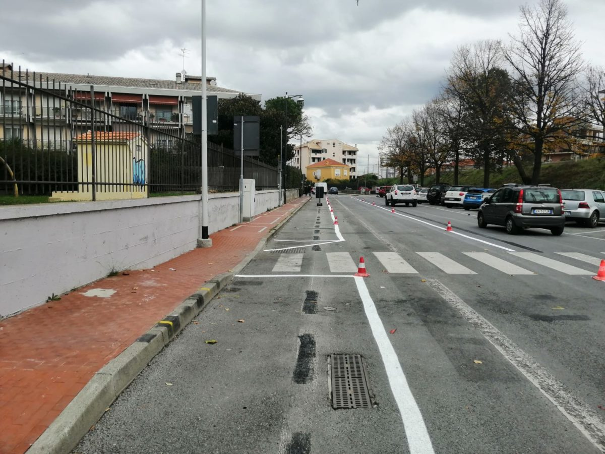 Albenga via xxv aprile parcheggi