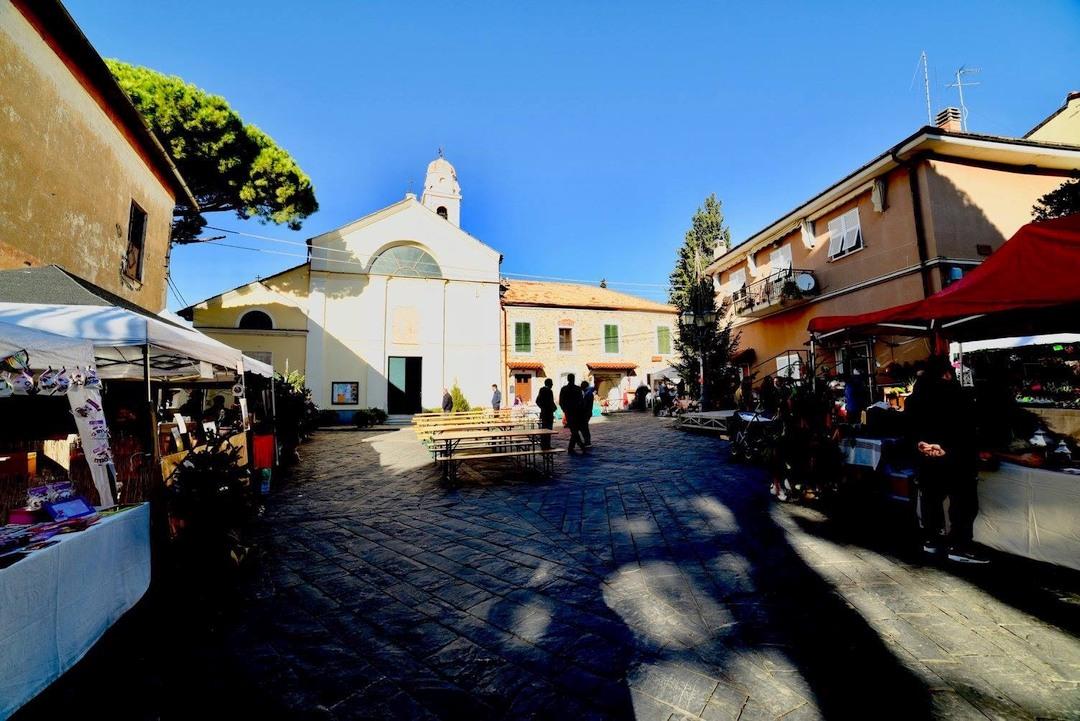 Fiera di Natale a Campochiesa di Albenga 02