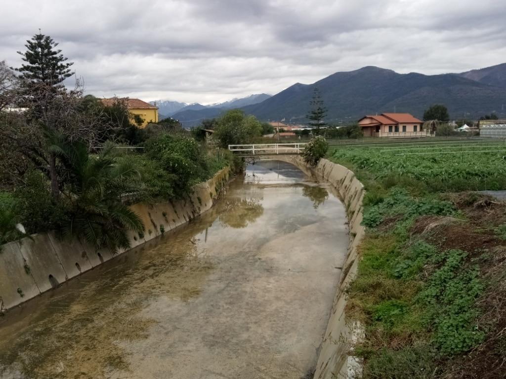 Lavori di pulizia alveo del Rio Antognano ad Albenga 4 b