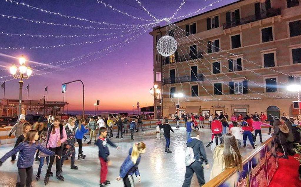 Pista di pattinaggio su ghiaccio a Varazze
