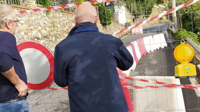 Strada chiusa alassio in frazione Moglio