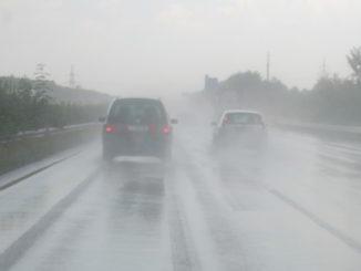Strada pioggia