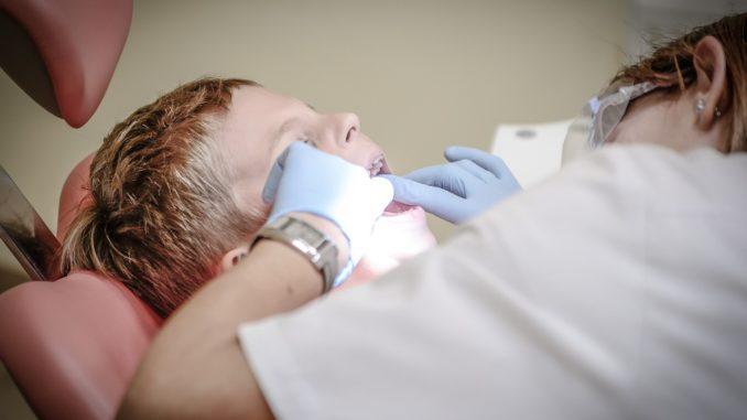 Sulla sedia del dentista