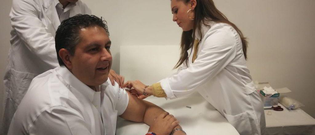 Vaccinazione antinfluenzale presidente Regione Liguria Giovanni Toti