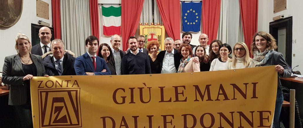 Consiglio comunale Albenga contro violenza sulle donne