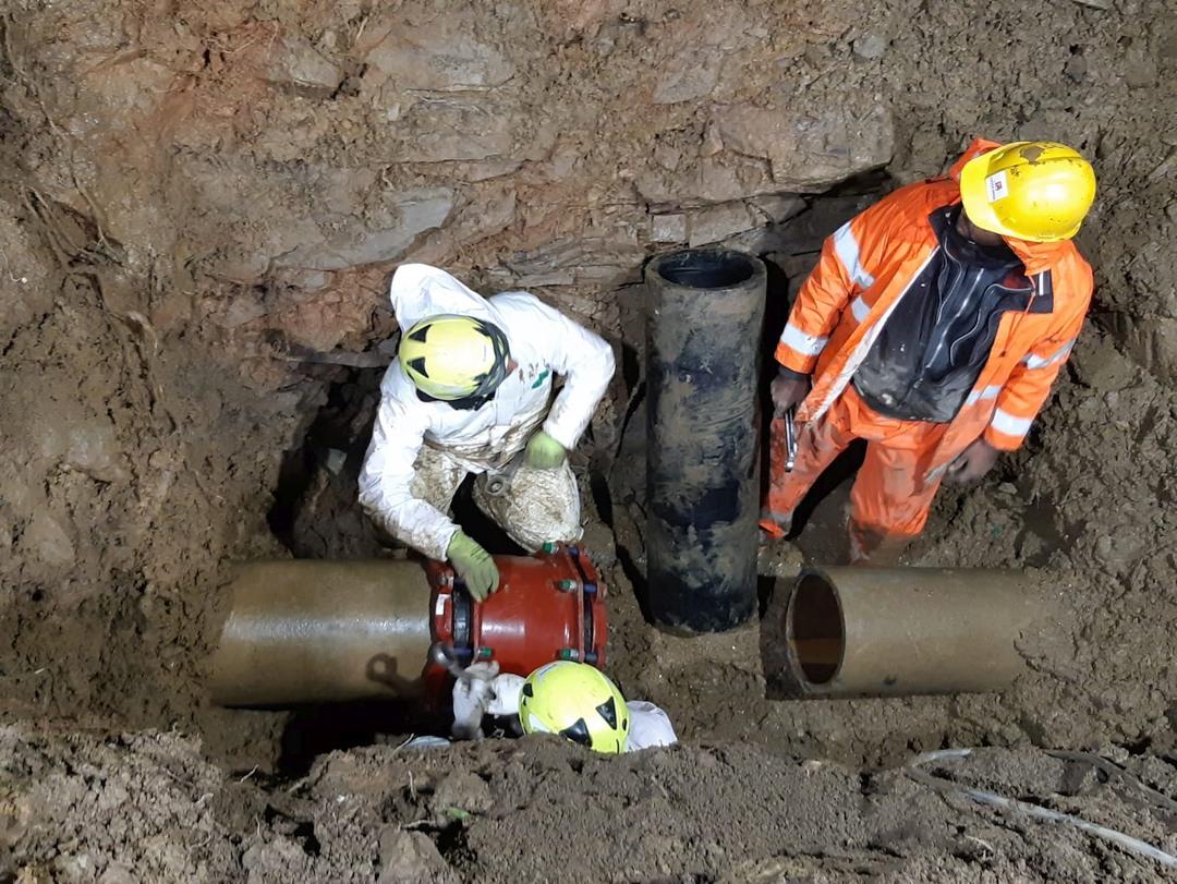 intervento riparazione tubature in via Vigo ad Alassio 05