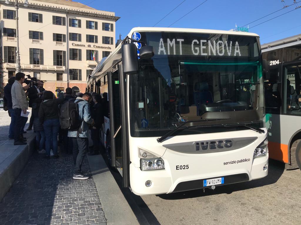 2019 12 09 Presentazione Bus Iveco 02
