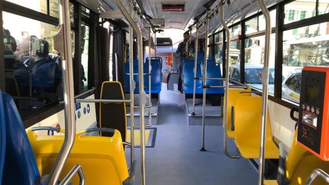 Interno di un bus