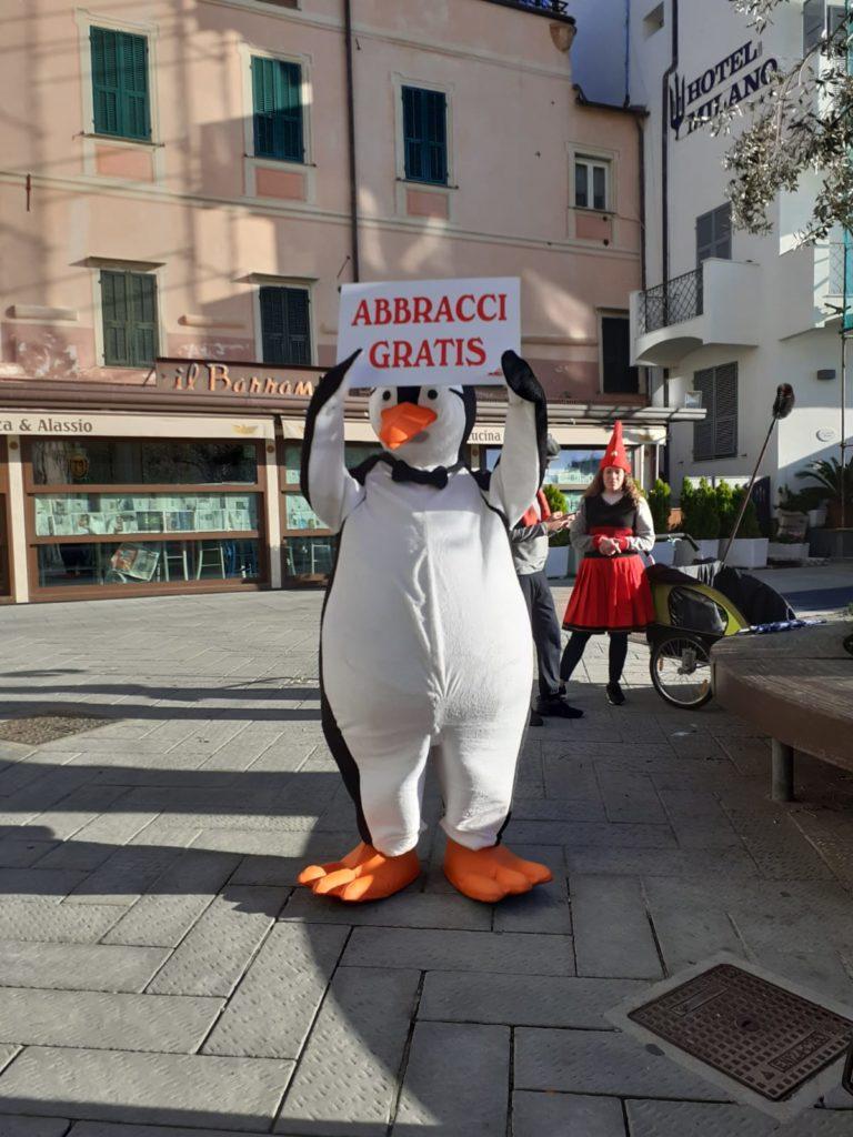 Abbraccio dei pinguini ad Alassio 02